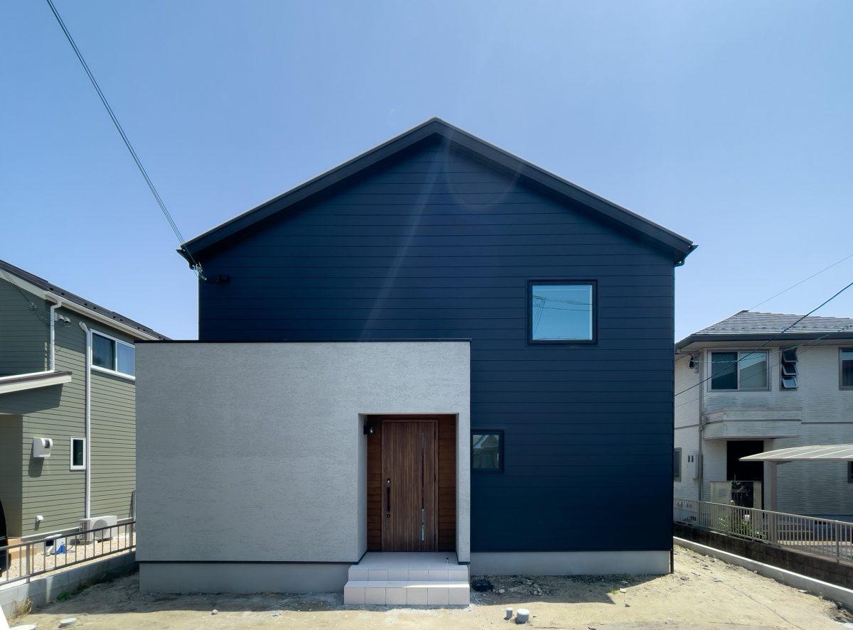 Galvalume×Nurikabe house